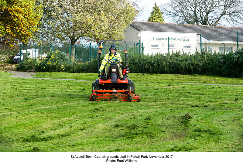 council ground staff in Poltair Park November 2017