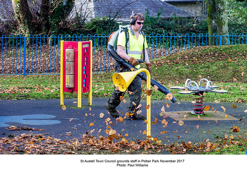 Council grounds staff poltair park november 2017